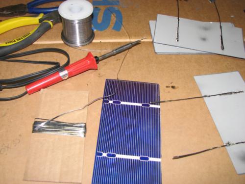 Cách tự làm tấm pin năng lượng mặt trời tại nhà