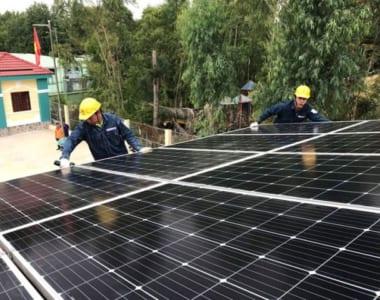 Lắp đặt hệ thống điện năng lượng mặt trời cho gia đình