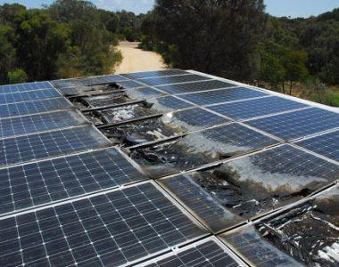 Xử lý tấm pin năng lượng mặt trời hết hạn