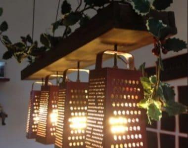 Chế đèn chùm đẹp, sống động từ vỏ chai nhựa